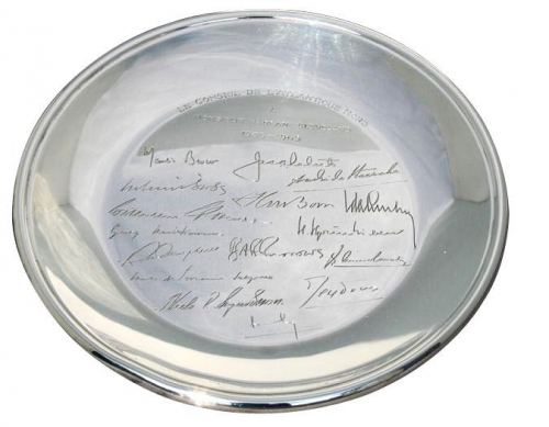 American NATO silver salver with NATO members engraved in the silver